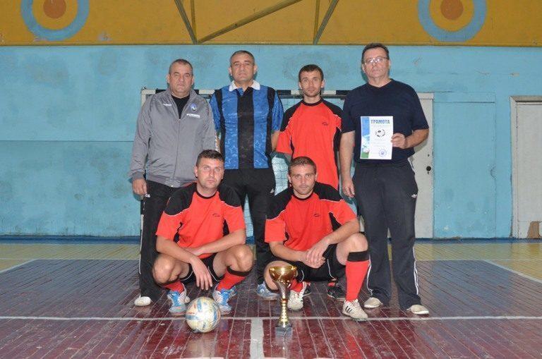 Митники Франківщини перемогли учасників АТО та волонтерів у футбольному матчі
