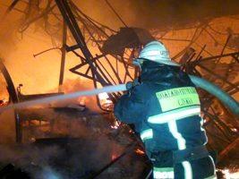 За добу двоє людей травмувалося під час пожеж