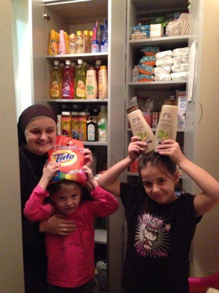 Волонтери просять допомогти містечку Святого Миколая фруктами та пральним порошком (ФОТО)
