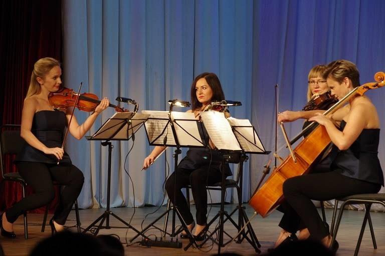 Артистки симфонічного оркестру Лодзької філармонії представили іванофранківцям концерт кращої кіномузики (ФОТО)