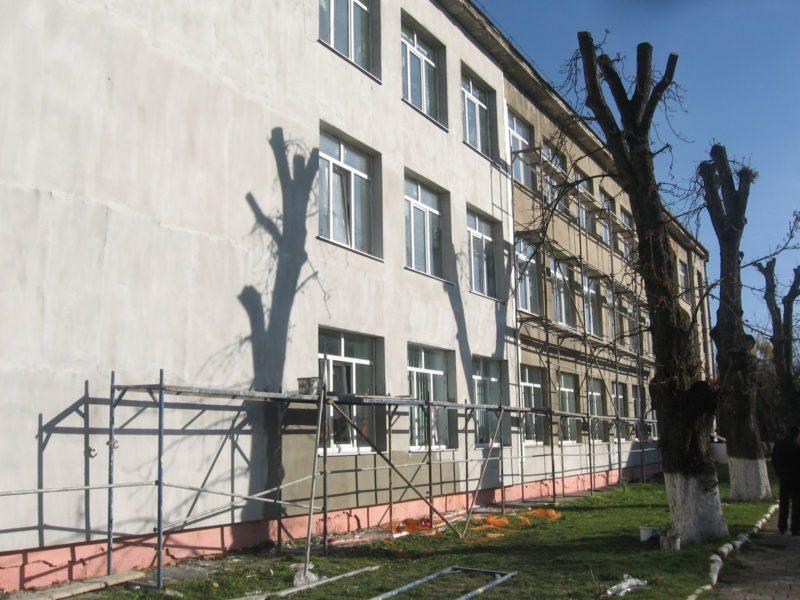 До кінця листопада завершать ремонт школи на Франківщині (ФОТО)