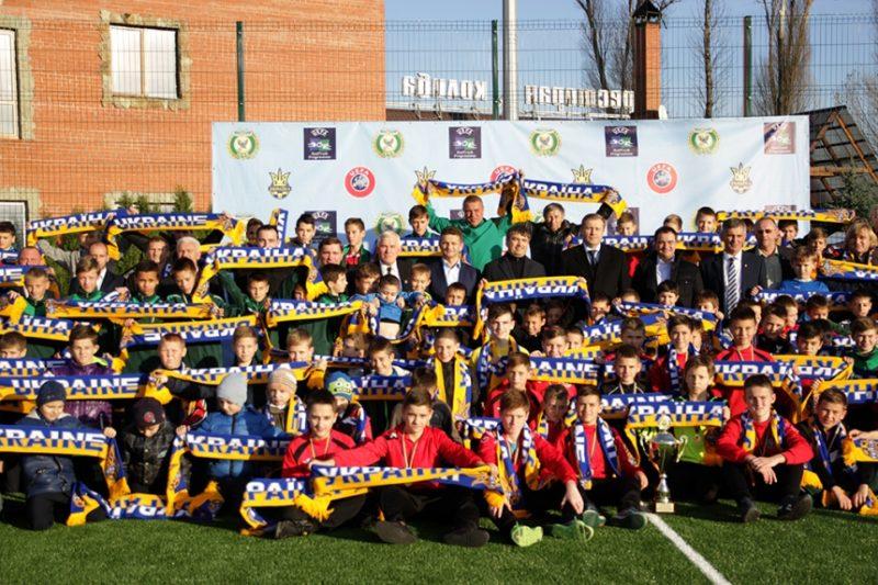 Діти з Прикарпаття відвідають футбольний матч «Україна – Словенія» (ФОТО)