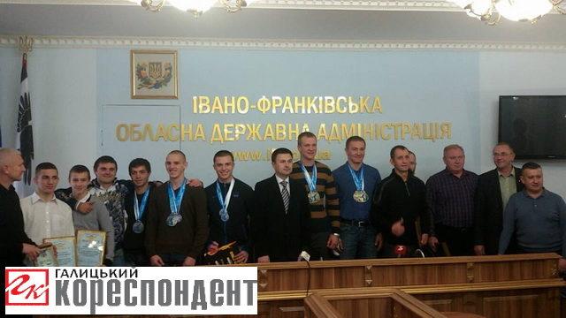 Призерів чемпіонату світу з кікбоксингу привітали в ОДА (ФОТО)