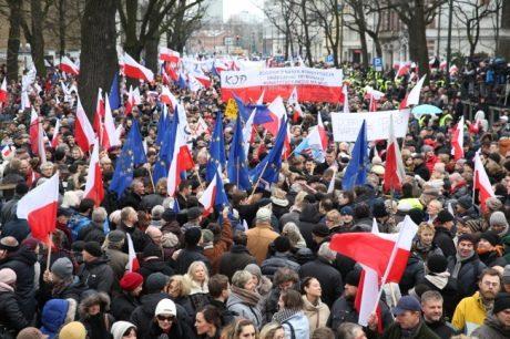 Поляки вважають Смоленську авіакатастрофу терактом