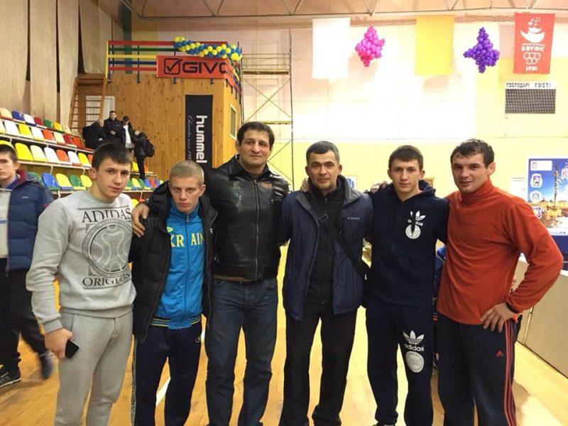 Прикарпатські борці збирають медалі на Кубку України