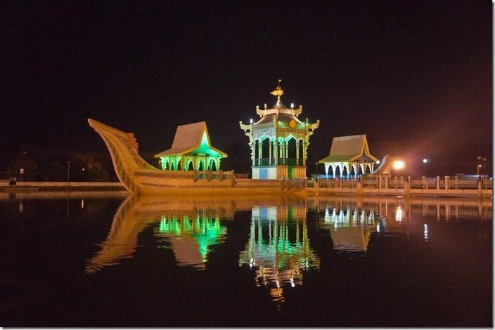 Довкола світу: загадковий Бруней, країна без Нового року