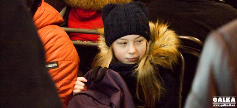 Посадовці перевірили, чи їздять іванофранківські школярі у громадському транспорті безкоштовно (ФОТО)