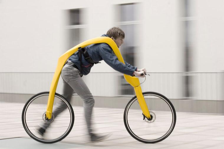 Німецькі винахідники розробили оригінальний кумедний велосипед  (ВІДЕО)
