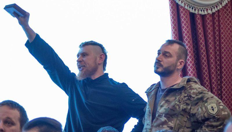 """Через зятя Яроша добровольці АТО відмовилися від медалей """"За оборону Донецького аеропорту"""""""
