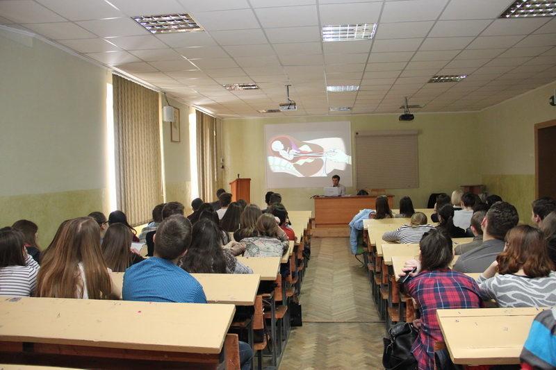 Франківським студентам розповіли про піст та стосунки між чоловіком і жінкою (ФОТО)
