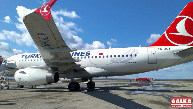 Турецькі авіакомпанії відновлюють польоти в Україну з 1 липня