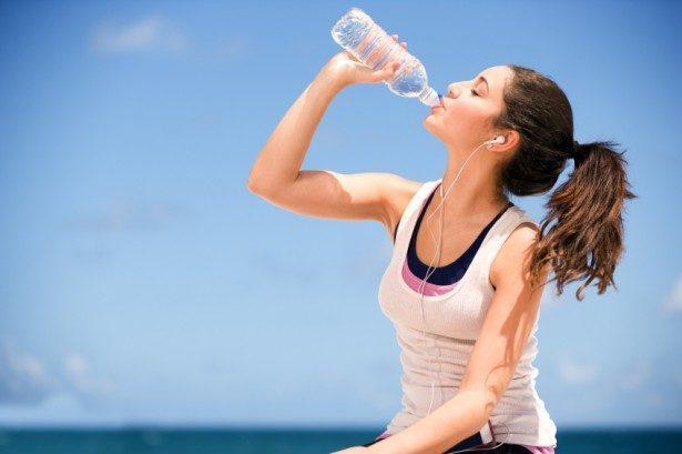 """""""Галка"""" рекомендує: Скільки треба вживати води щодня? Та чому так важливо пити воду на роботі?"""