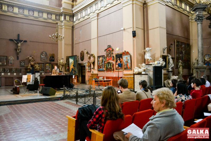 У найдавнішій будівлі Франківська відбувся концерт електронної музики (ФОТО)