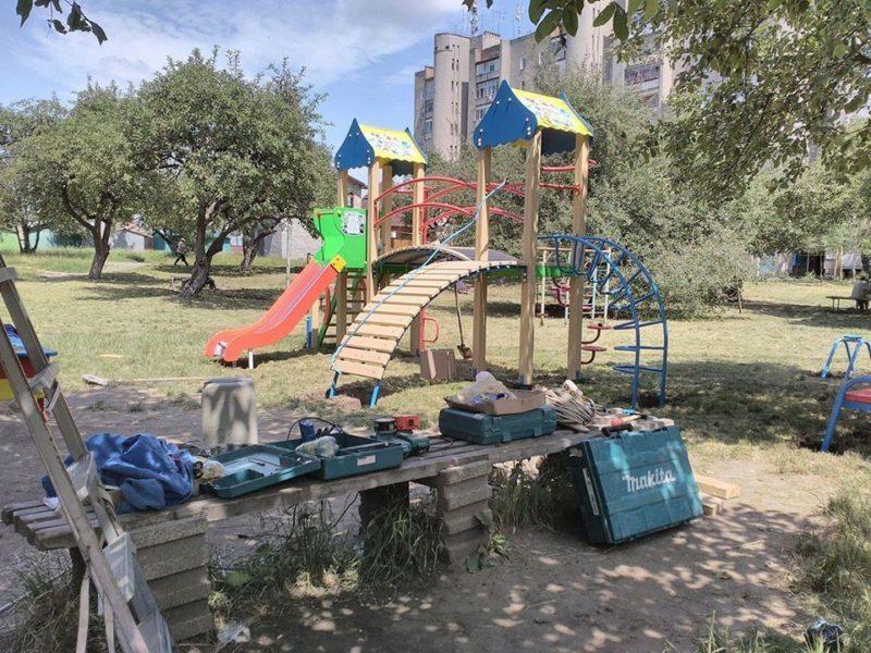 У червні у Коломиї встановили шість дитячих майданчиків (ФОТО)