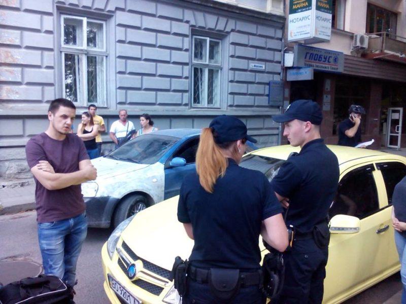 У центрі міста затримали водія іномарки, який тікав від велопатрульних (ФОТО)