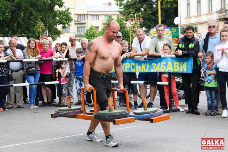 Учасники АТО змагалися в богатирському турнірі в Івано-Франківську (ФОТО)