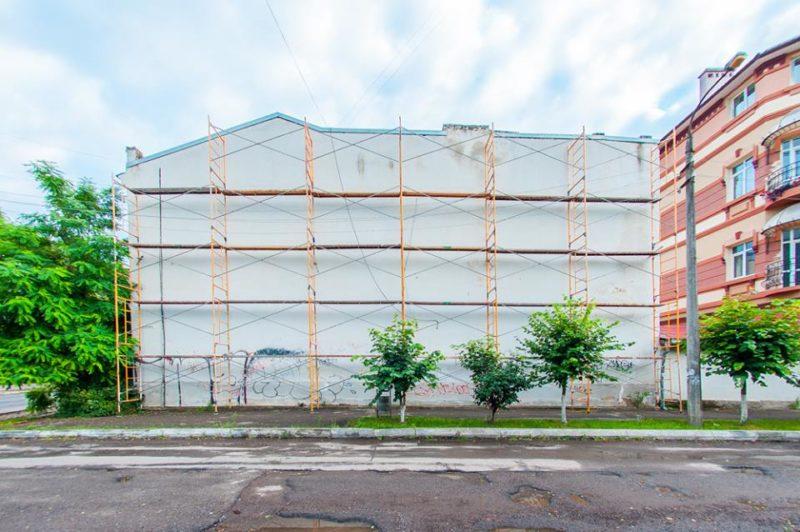 Франківців кличуть стати волонтерами та допомогти польському художнику створити в місті новий мурал