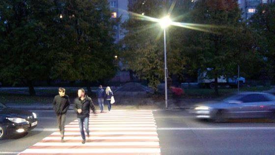 На тринадцятьох світлофорах в місті облаштують освітлення