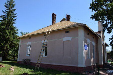 В Опришівцях ремонтують столітню школу