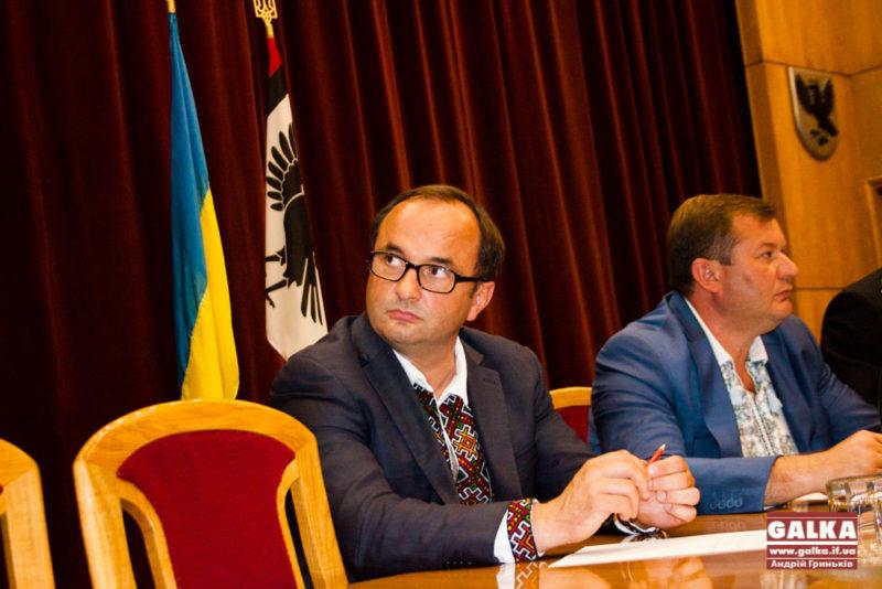 Фура, три брендові костюми і  23 земельні ділянки, – декларація заступника голови облради Сергія Басараба