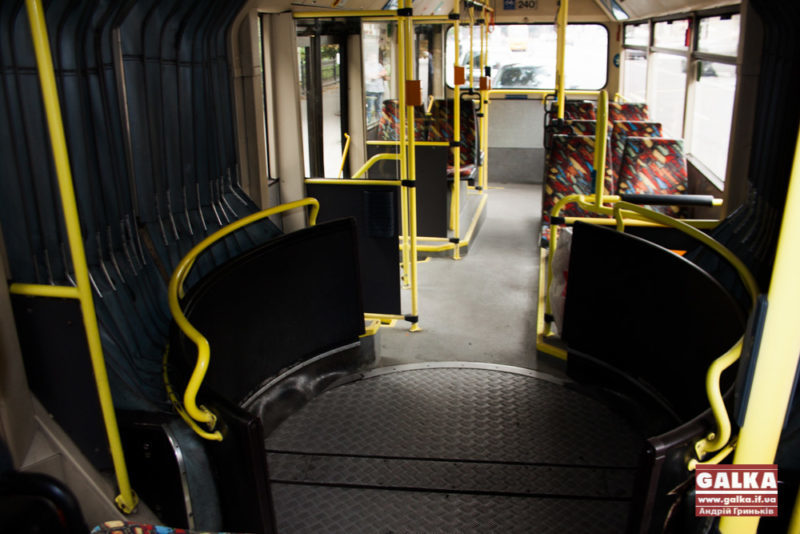 """Відомо, чому сталася поломка на тролейбусній лінії біля """"Радіозаводу"""""""