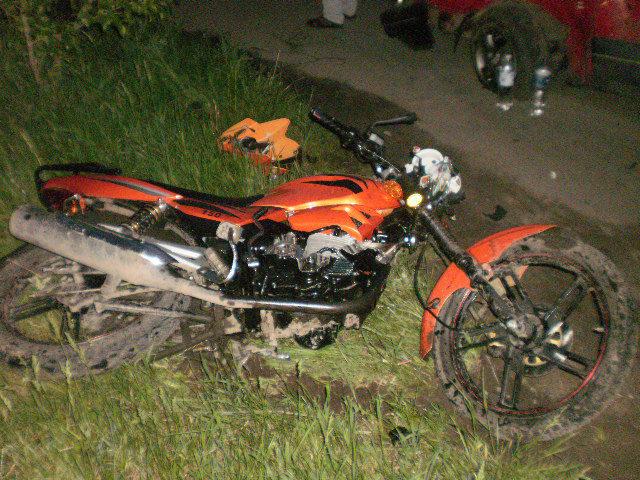 У Делятині юний мотоцикліст з пасажиркою не вписалися в поворот та опинилися в лікарні