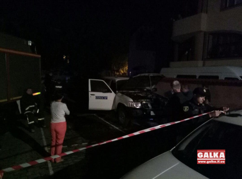 Поліція підтвердила підпал машини місії ОБСЄ в Івано-Франківську