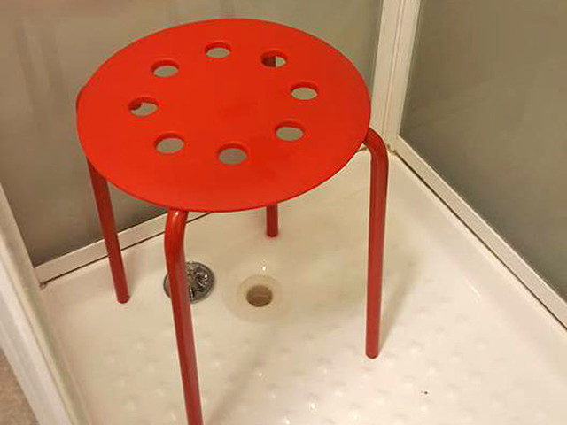 Норвежець поскаржився на стілець IKEA, в якому застрягли його геніталії