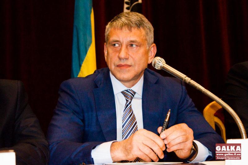 Насалик задекларував 890 тисяч доларів, 240 тисяч євро готівки та півтора мільйона гривень витрат на виборчу кампанію в Івано-Франківську
