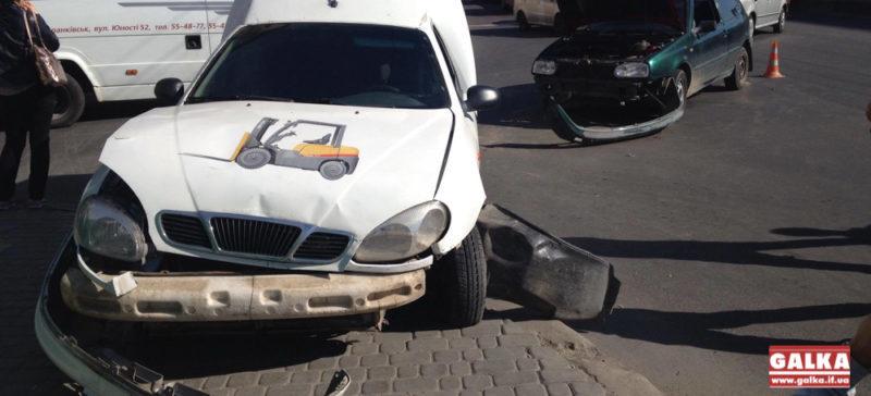 На Незалежності зіткнулися дві автівки (ФОТО)