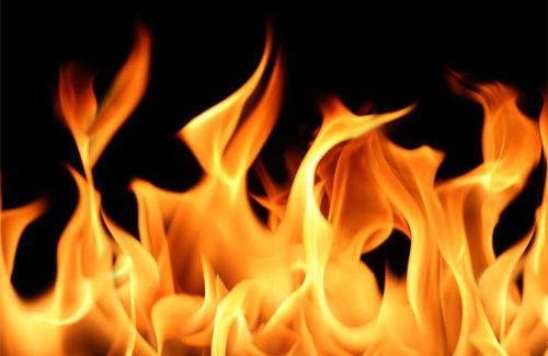 Під час пожежі на Мазепи травмувалась  69-річна жінка