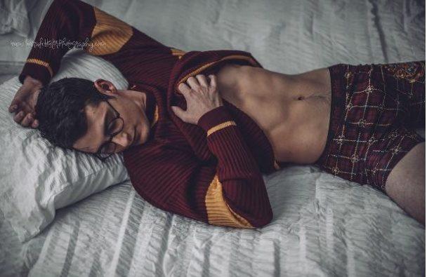"""Відвертий """"Гаррі Поттер"""": фотосесія з двійником зірки (ФОТО)"""