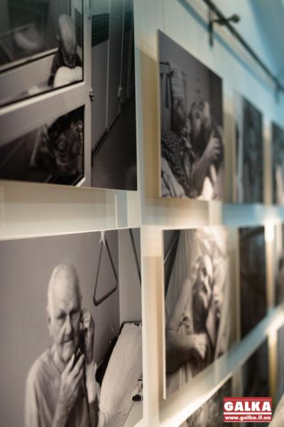 Бастіон,Виставка,люди похилого віку-0893