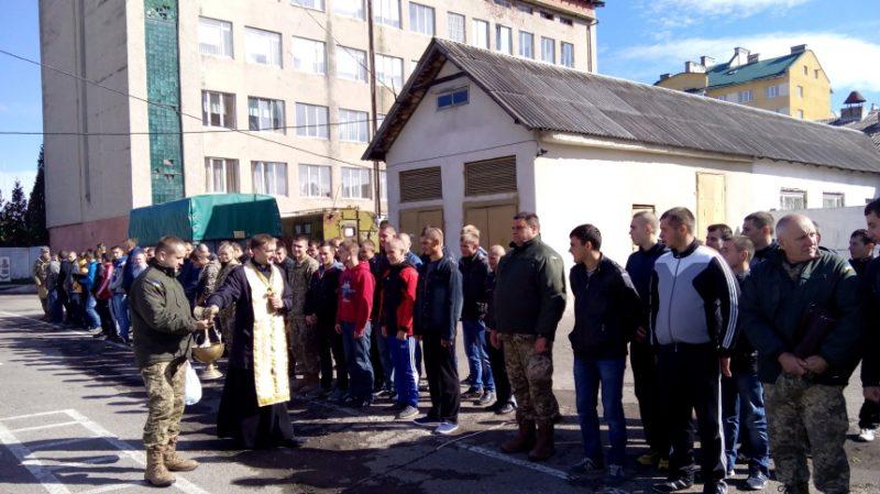 70 прикарпатців відправилися на строкову службу до війська