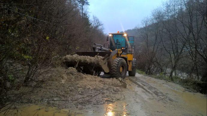 На Закарпатті внаслідок негоди затопило дороги та домівки (ФОТО)