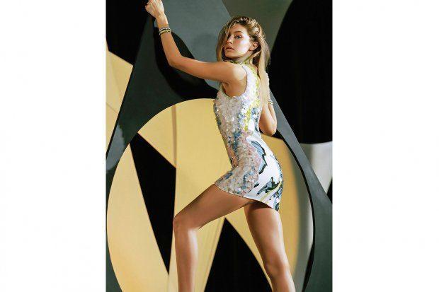 Джіджі Хадід роздяглася для реклами Versace