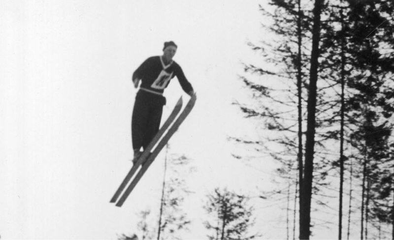 """""""Літаючі"""" лижники: фото змагань на Прикарпатті 1936 року (ФОТО)"""