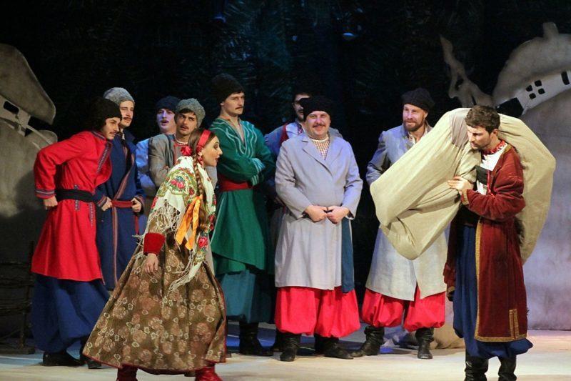 Щоб допомогти хворому працівнику театру, у Франківську покажуть благодійну виставу