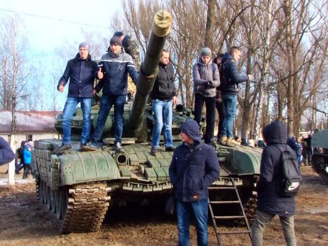 Десята штурмова бригада провела день відкритих дверей (ВІДЕО)