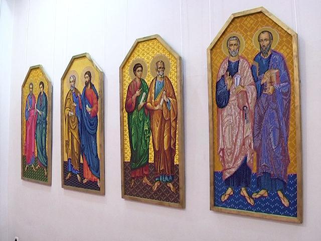 У Коломиї презентували унікальний вишиваний іконостас (ВІДЕО)