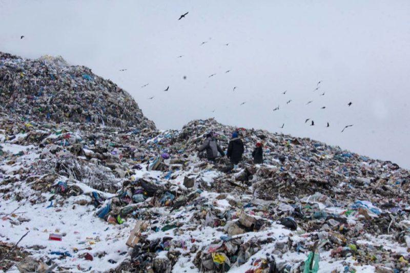 Фотограф показав, як живуть роми на приміському сміттєзвалищі