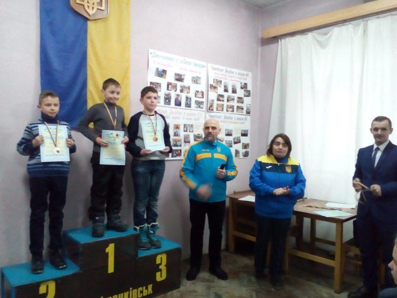 У Франківську відбувся перший відкритий чемпіонат міста з шашок-100