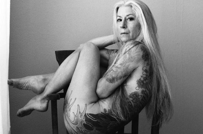 56-річна американка довела, що можна бути сексуальною у будь-якому віці (ФОТО 18+)