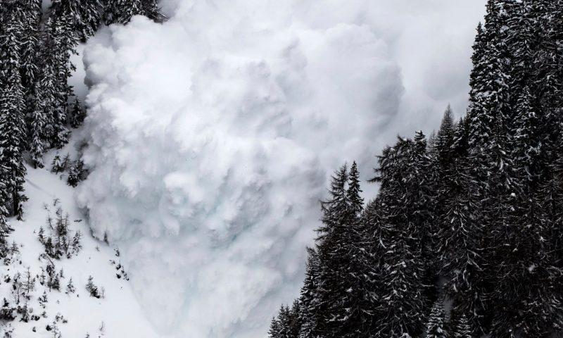 У Карпатах почався сніголавинний сезон