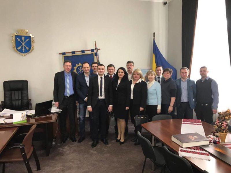 Франківські чиновники обмінюються досвідом у Хмельницькому (ФОТОФАКТ)