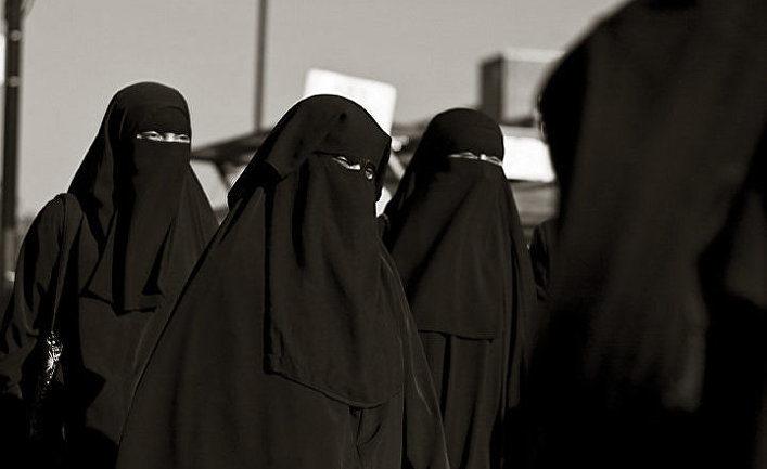 Австрія заборонила носити паранджу і роздавати Коран в громадських місцях