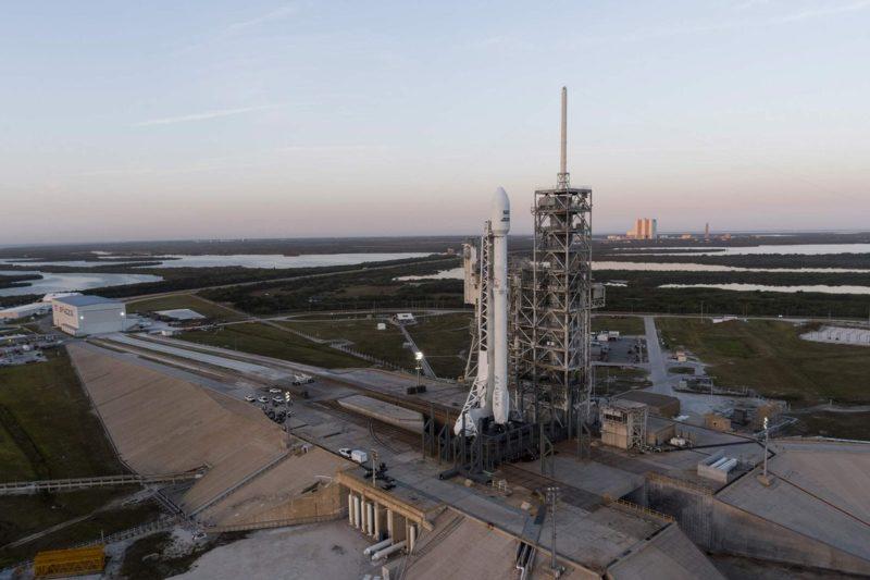 Американська компанія вперше запустила в космос ракету, яка вже літала (ФОТО, ВІДЕО)