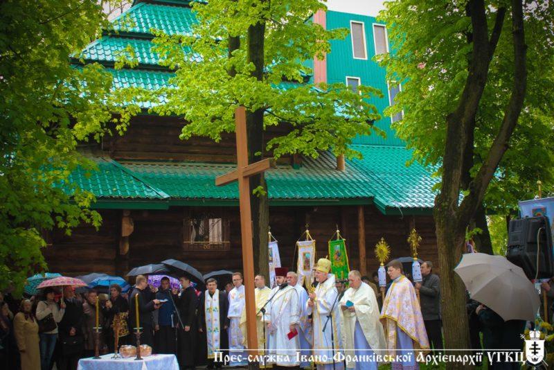 """У франківській """"Лемківській церкві"""" молилися за жертв операції """"Вісла"""" (ФОТО)"""
