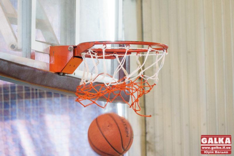 У Франківську студенти-баскетболісти змагаються за першість