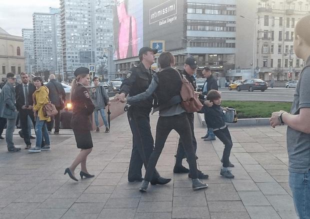 У Москві затримали 10-річного хлопчика за декламацію Шекспіра (ФОТО, ВІДЕО)